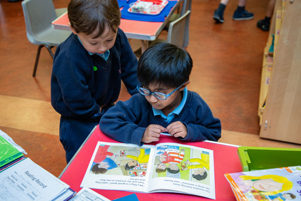 Nursery children reading